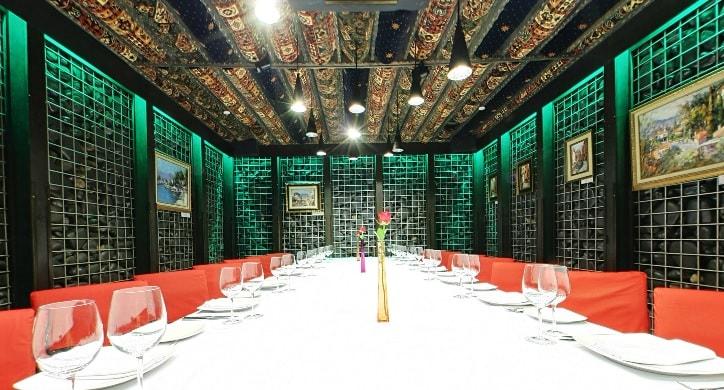 казбек фото каменный зал