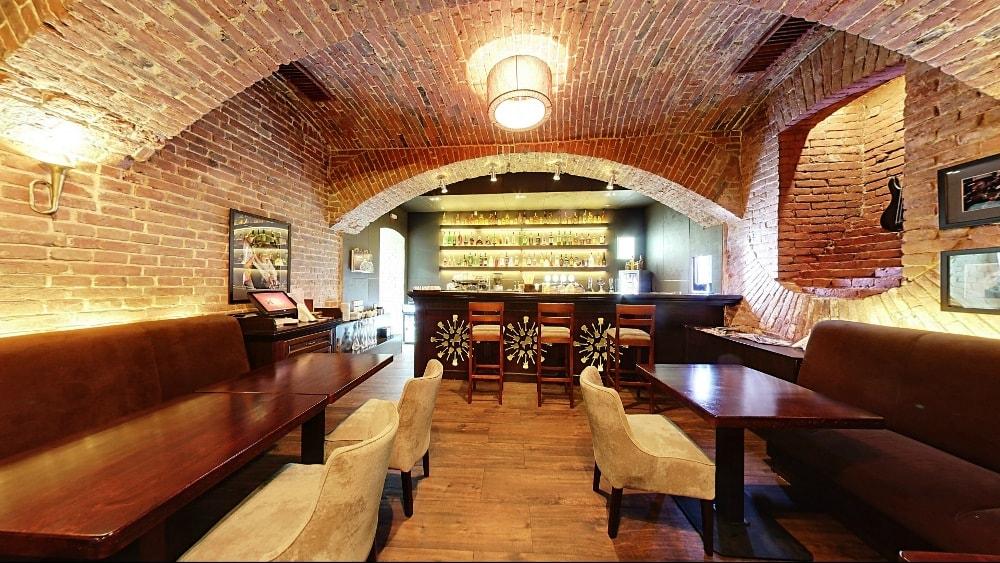 Ресторан Грушевський cinema jazz бар