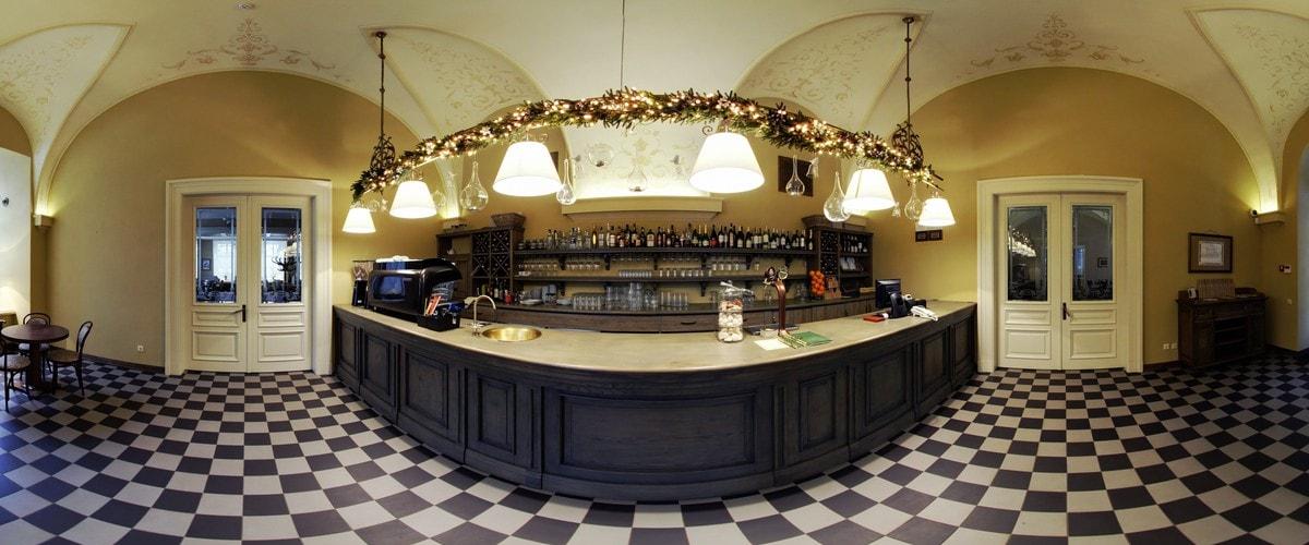 Кафе ратуша у Львові