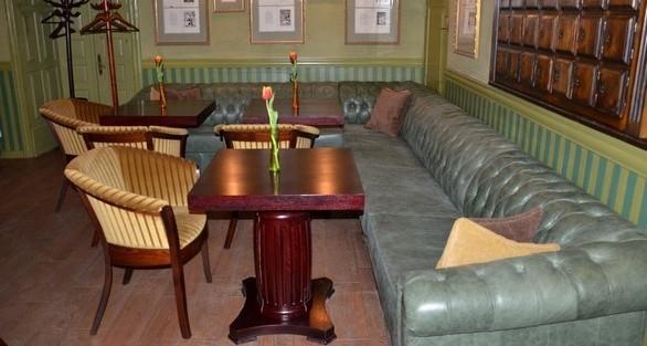Внутри кафе Кентавр